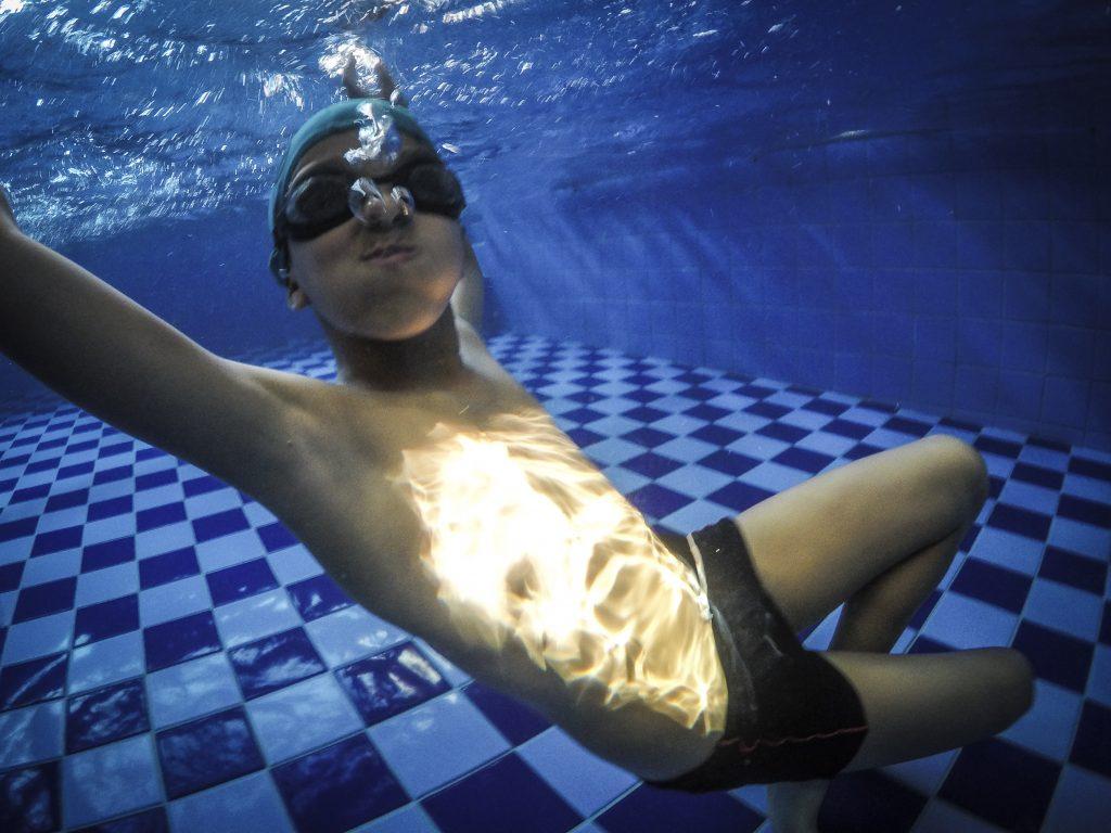 Os benefícios da natação infantil
